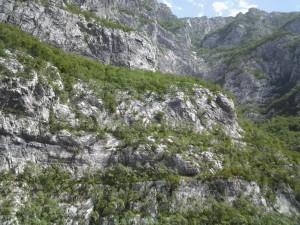 Munte si iar munte