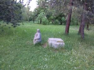 Statuia care a plecat de pe soclu