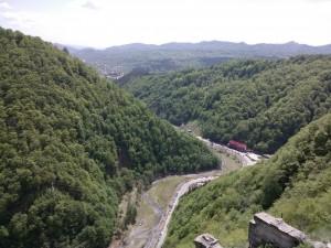Privelistea de la sudul Cetatii Poenari