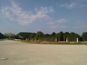 Gradina din spatele Palatului Schonbrunn